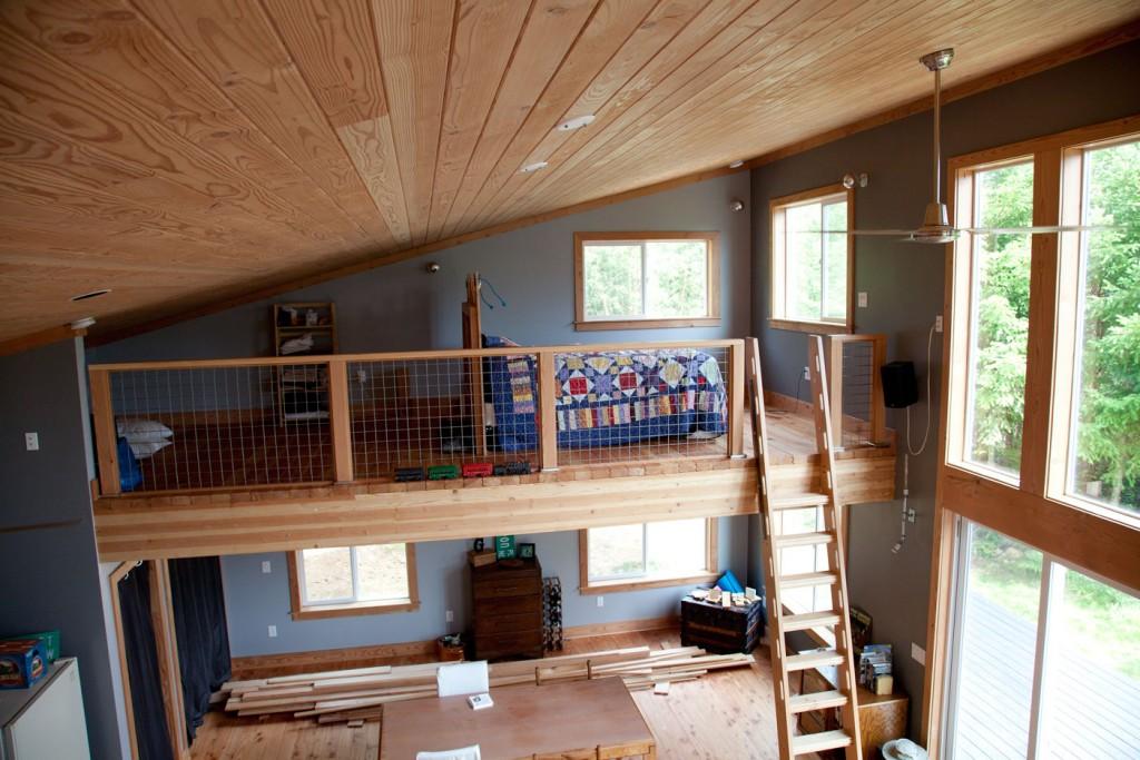 Cabin-East_Loft